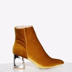 NIB Cape Robbin Gold/Brown Size 6 Ankle Booties